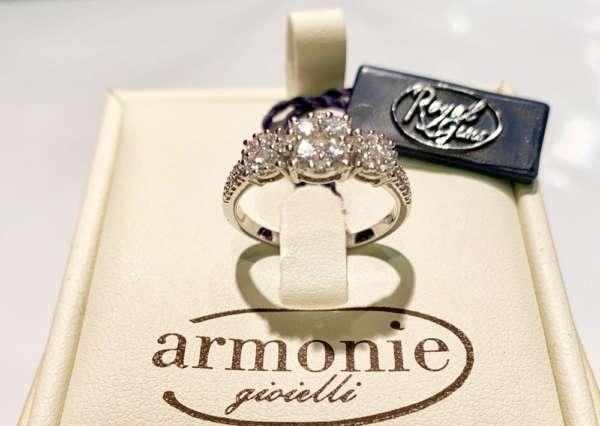 anello-oro-bianco-diamanti-armonie-gioielli-gioielleria-berluti