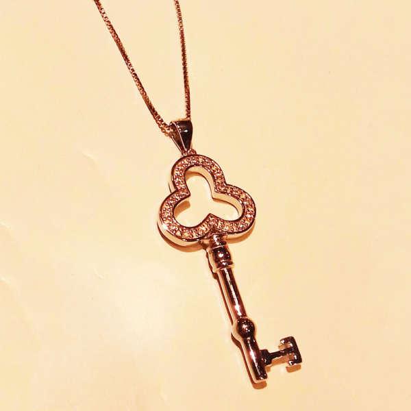 ciondolo-croce-argento-offerta-gioielleria-berluti